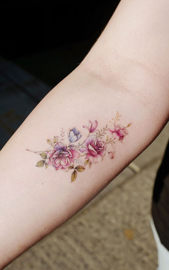 Small Flower Tattoos: 32 Gorgeous Tattoo Ideas For Women