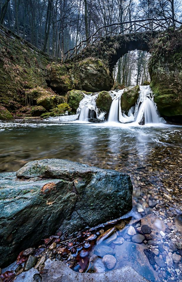 37 Awesome Waterfall Photos